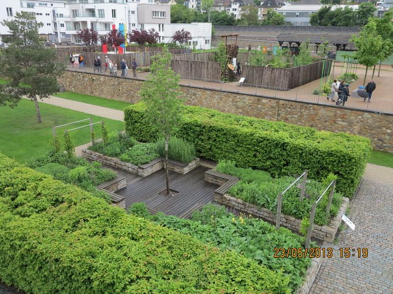 Peter latz giardini in viaggio for Allestire piccoli giardini