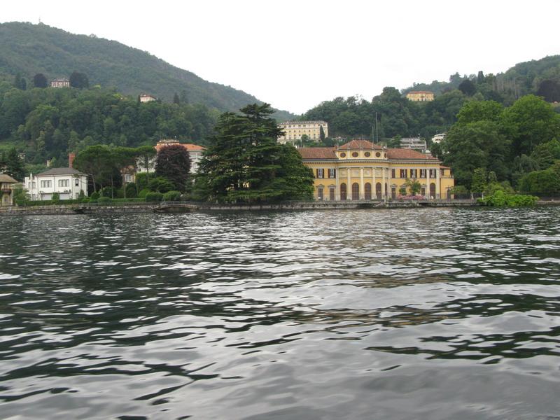 Lago di Como: i giardini visti dal battello