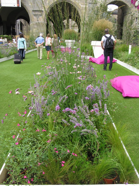 Bergamo: fiori e piante in piazza