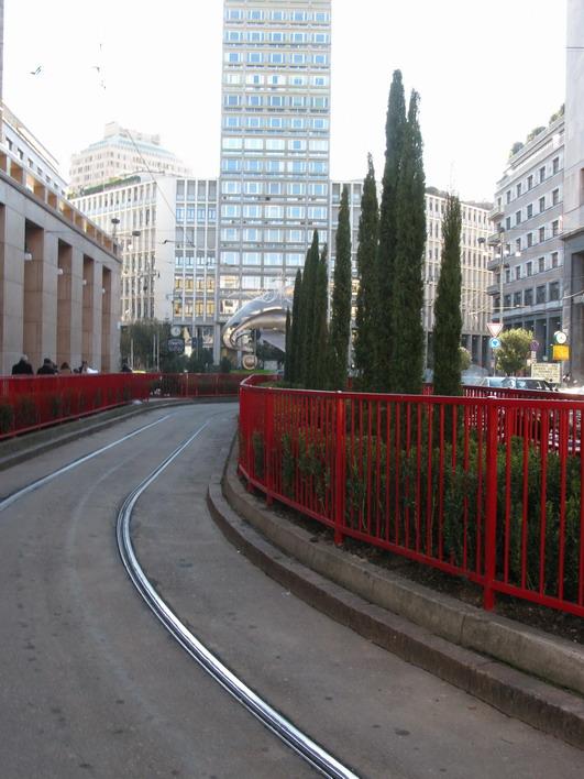 A proposito di aiuole a Milano: una piccola rassegna