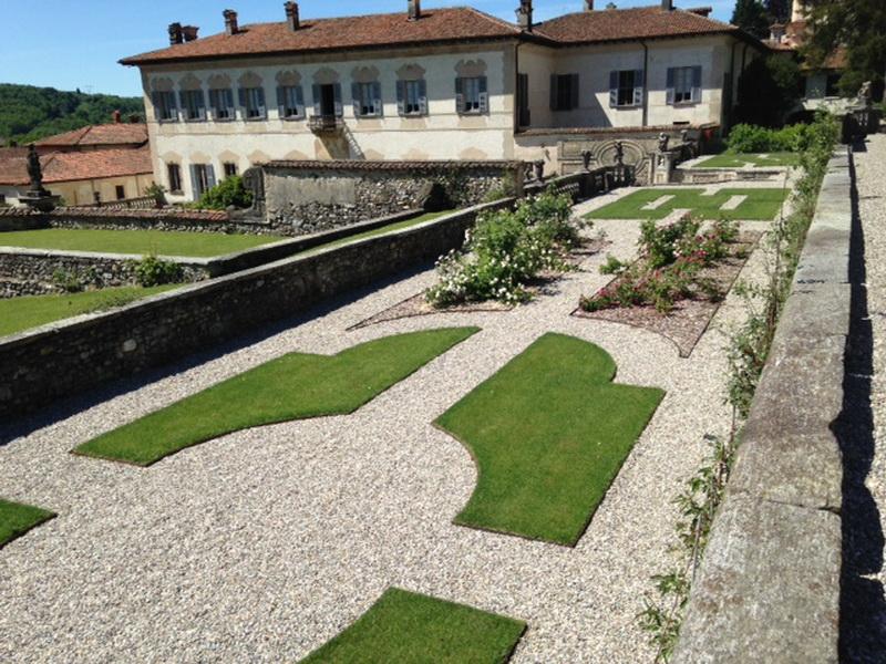 Nuovi parterre alla Villa della Porta Bozzolo a Casalzuigno (VA)