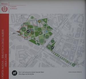 Sbirciando tra le grate del nuovo Parco Biblioteca degli alberi a Milano